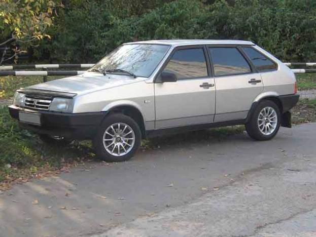 Известный всем нам автомобиль Ваз-21093 представляет собой абсолютно схожую с...
